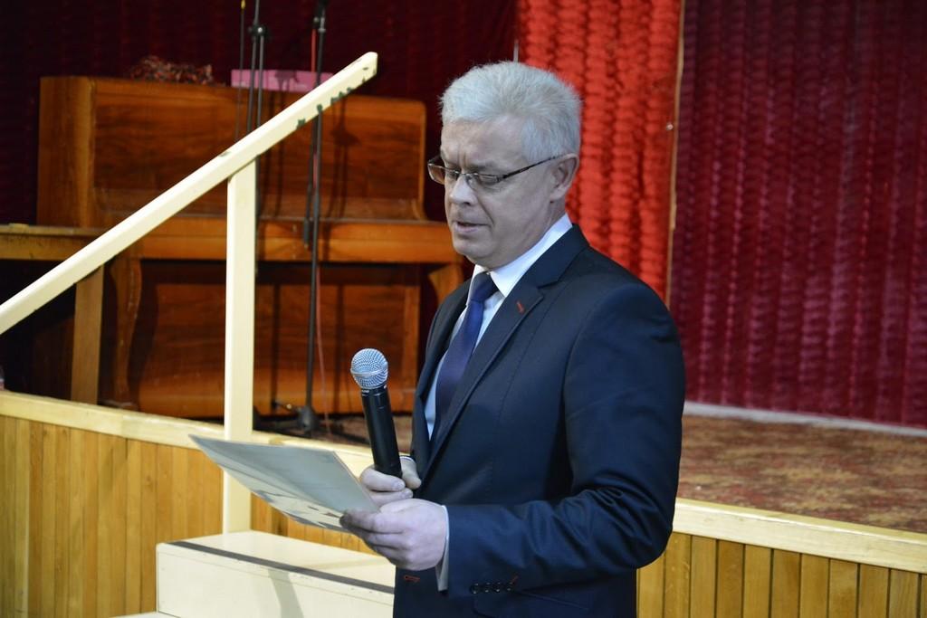 Dyrektor Szkoły mgr Tomasz Dykas